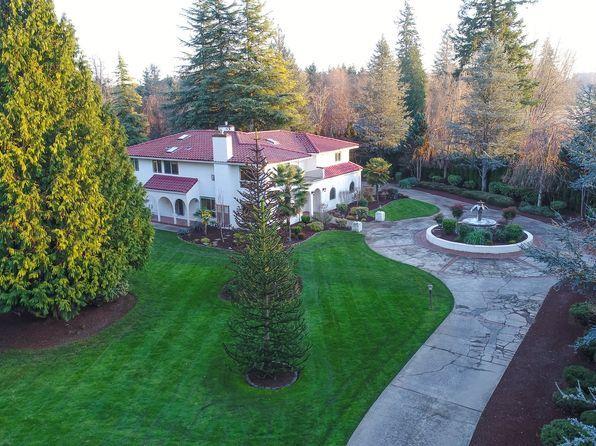View 32 photos of this $897,500, 4 bed, 6.0 bath, 5900 sqft single family home located at 10519 NE 176th Cir, Battle Ground, WA 98604 built in 1985. MLS # 17559964.