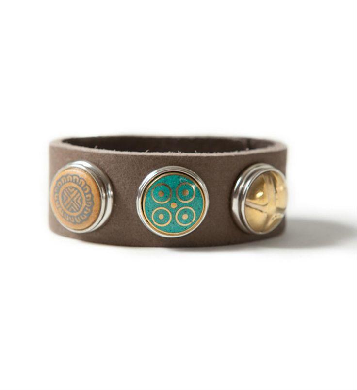 Noosa Amsterdam leren armband, bracelet classic skinny. Op een armband kunnen 3 chunks worden bevestigd naar eigen creativiteit - Grey - NummerZestien.eu