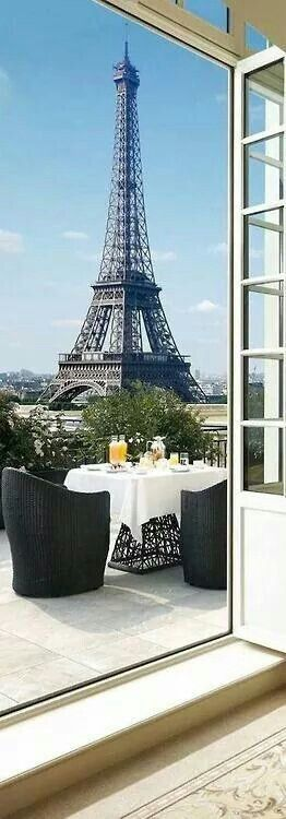 Cafe Matin... I want this view!!!