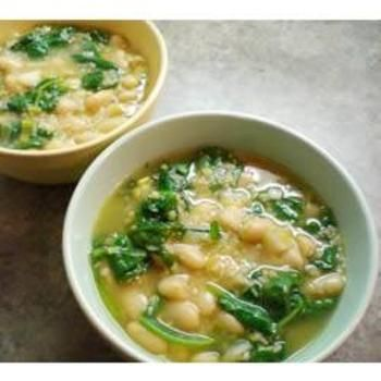 Spinach and Leek White Bean SoupBeans Soup Recipe, Food, Leek White, Spinach, White Beans Soup, Cannellini Beans, Soup Recipes, Mr. Beans, White Bean Soup