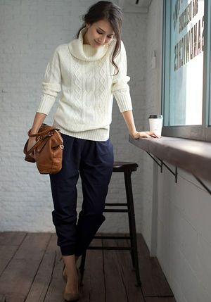 オフタートルケーブル編みチュニックとボトムスで程よいラフさ♪秋冬ファッションのチュニックコーデ参考♡