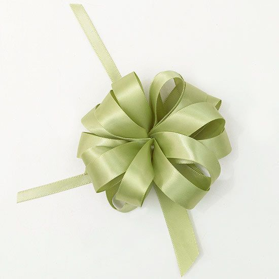 Embellish packages, wreaths, and much more with this florist-inspired bow.