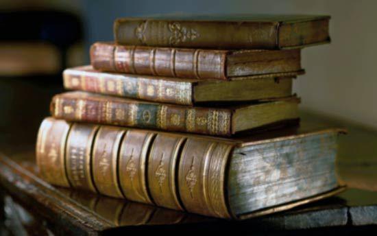 De fuentes y libros...: En el ambiente pagano, existe una gran dificultad para enmarcar el aprendizaje de manera correcta, lógica y productiva. En este artículo, se analizan una serie de sesgos cognitivos y falacias del conocimiento, que conspiran contra ello, y se trata de buscar reglas claras para solucionar estos problemas.