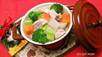 野菜と豚肉を使った身体を温める犬ご飯 わんポトフ。 クリスマス犬ご飯にもおすすめの1品。 お野菜とお肉を一緒に食べられるヘルシーレシピです。 味つけして、ご一緒にお揃いご飯...