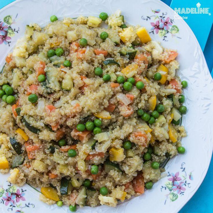 O mancarica gustoasa cu multe legume aromate si quinoa, un super aliment ce contine proteine, fibre, calciu, magneziu, fier, vitamina E. Pilaf de quinoa :)