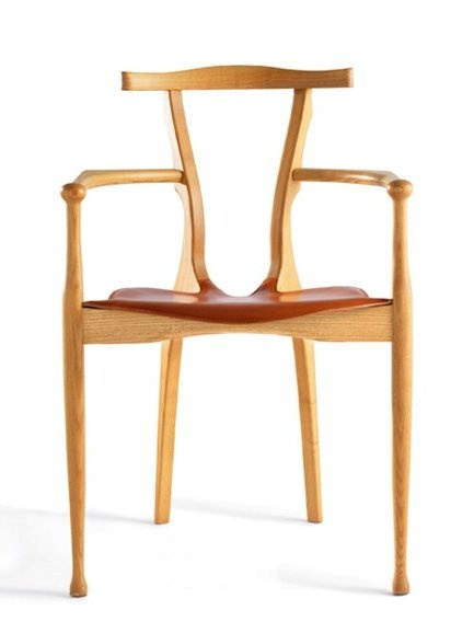 Stackable wooden #chair with armrests GAULINO by @Bd Barcelona Design | #design Oscar Tusquets Blanca