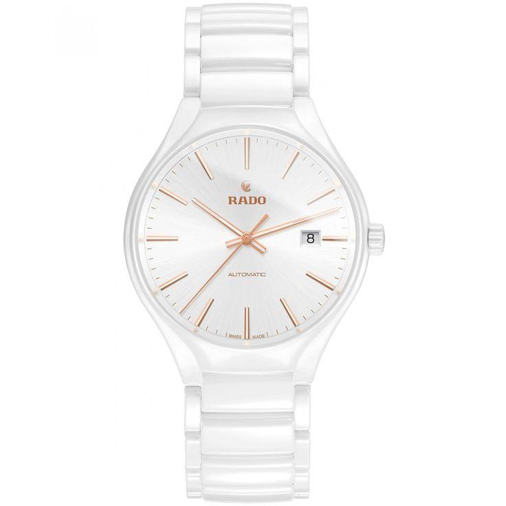 Reloj Rado de caja bisel y extensible tipo brazalete en cerámica color blanco; carátula a tono con manecillas e indicadores luminiscentes; nombre de la marca.