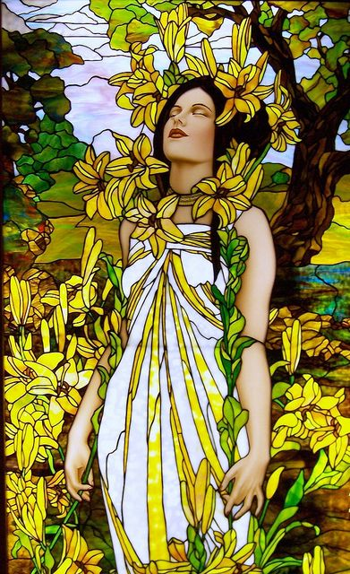 Glas in Lood-Tiffany-Stained Glass ~van Jim Berberich naar Alfons Mucha~