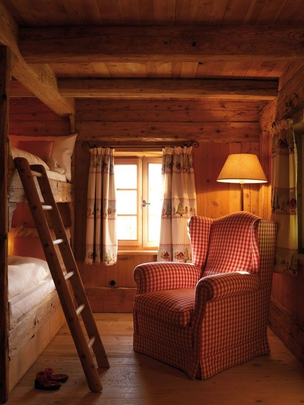 Hotel San Lorenzo Mountain Lodge - Imagine a stay here with the family. Tasteful and rustic.