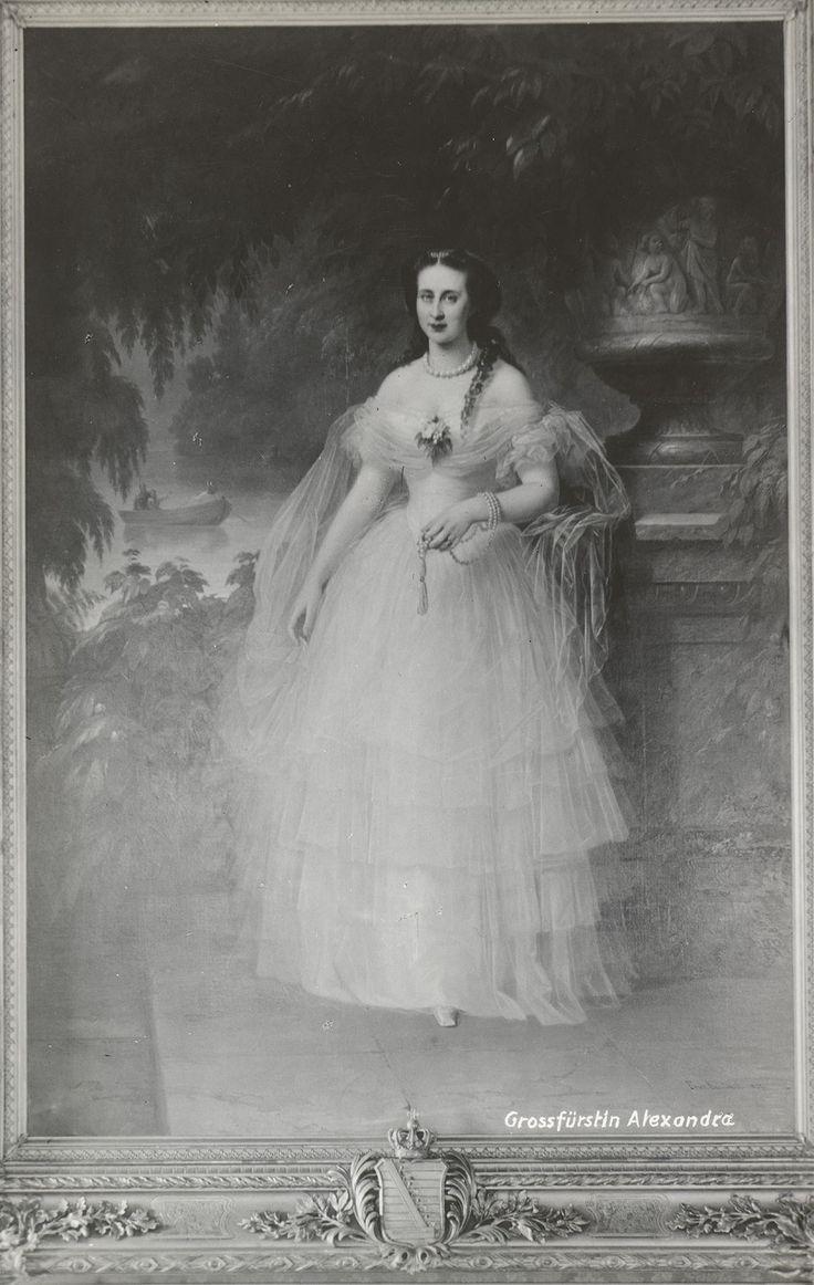 1857. Великая княгиня Александра Иосифовна (8 июля 1830, Альтенбург — 6 июля 1911, Санкт-Петербург) — эрнестинская принцесса, супруга великого князя Константина Николаевича