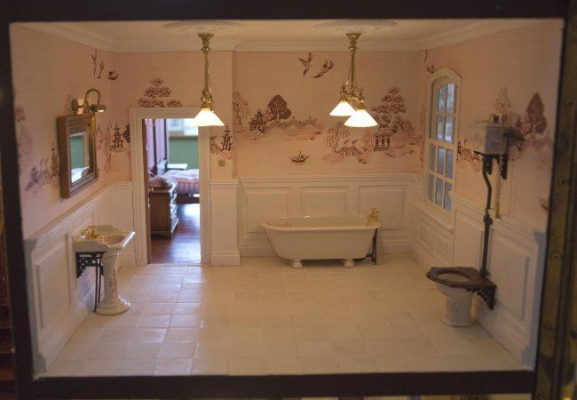 I love the wallpaper..............Photos: Dad spends 35 years building best doll house ever | BabyCenter Blog