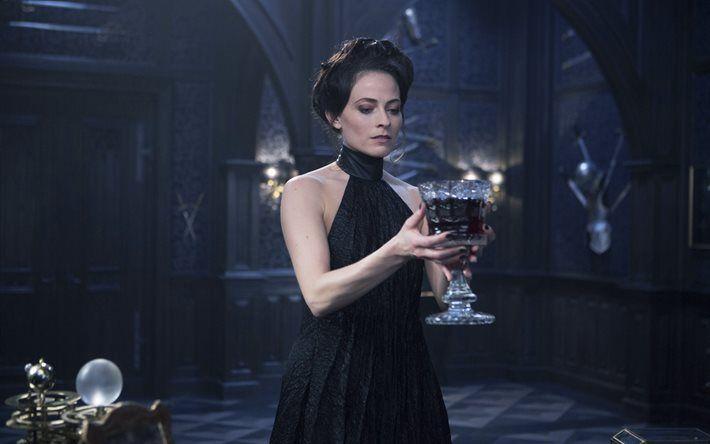 Blood Wars Underworld, 2016, Lara Pulver, Actress, Black Dress
