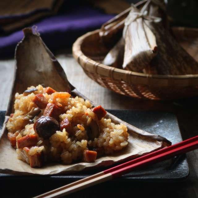 炊飯器で作るから簡単! この時期になるとホマレ姉さん家では「中華おこわ」を必ずと言っていいほど作ります。なぜなら近所の友達がお餅を作って余ったもち米をくれるからなんです。
