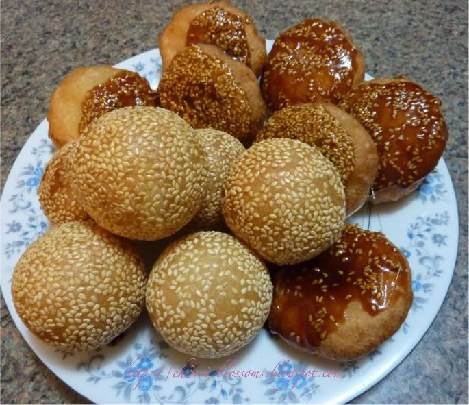 52 best banh cam images on pinterest asian recipes asia and asian ch3rri blossoms fried glutinous rice balls banh cam banh ccuart Images