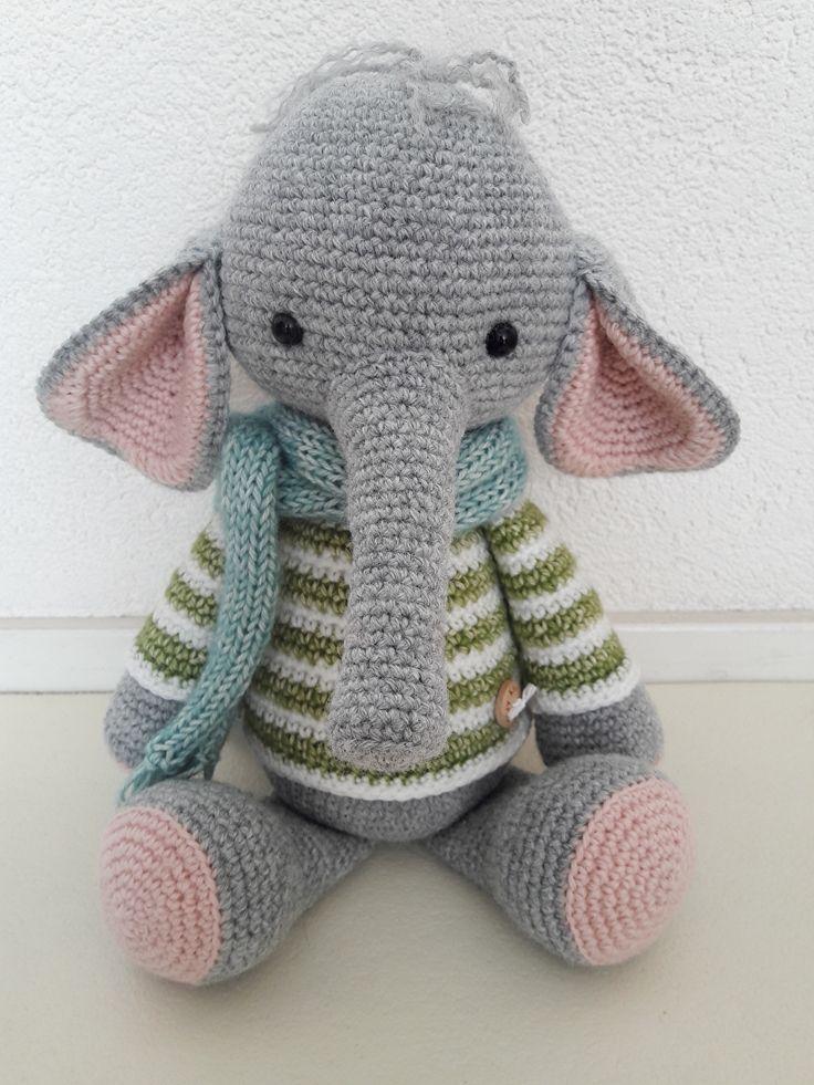 NIEUW op Cozy Knuffels: olifantje Nino! Eerder maakte ik al olifantje Nina, zij is verkocht dus is het hoog tijd voor Nino!Nino is een lief, zacht olifantje naar ontwerp van Kristel Droog***** OOK NIEUW: gehaakte wagenspanner uiltjes! Hierboven wagenspanner uiltjes, uw kindje zal hier tijdens het wandelen met plezier naar kijken en luisteren(in één van de uiljes zit een belletje).***** Meer info over bovenstaande artikelen?