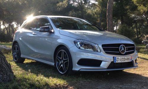 Née d'une feuille blanche, la nouvelle #Mercedes Classe A balaye d'un revers de main ses airs de petit monospace d'autrefois pour une silhouette de coupé. Nous l'avons essayé dans le sud de la France.