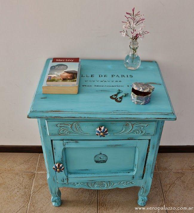 Los muebles provenzales me encantan!  Esta mesita, fiel exponente de ese estilo, no fue la excepción en cuanto la vi.