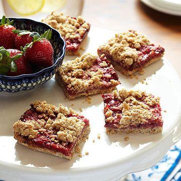 Gluten-Free Strawberry Breakfast Bars Nutrition Facts Per Serving: Servings Per Recipe: 16 PER SERVING: 141 cal., 7 g total fat (2 g sat. fat), 10 mg chol., 152 mg sodium, 19 g carb. (4 g fiber, 8 g sugars), 3 g pro.