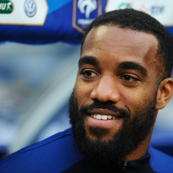 Alexandre Lacazette to Arsenal Will Happen in '1 or 2 Days,' Says Lyon Chief