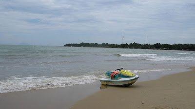 Salah satu destinasi wisata pantai dekat kota jakarta yang kami rekomendasikan adalah wisata pantai carita.