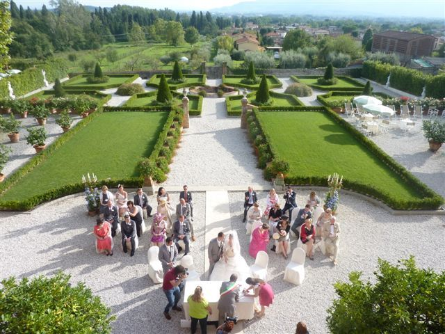 Civil wedding ceremony in Tuscan Villa