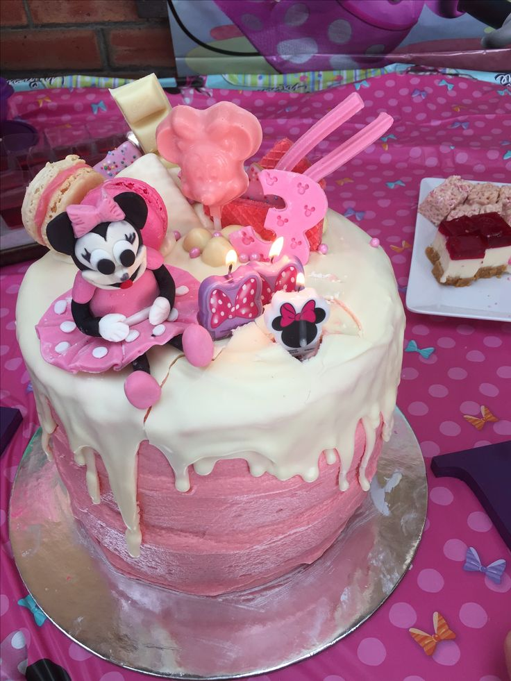 Minnie Mouse Party November 2016  Averlie 3 years old