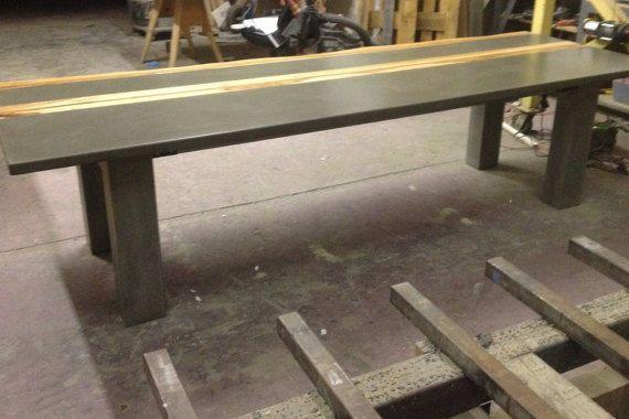 Mesas de concreto y madera