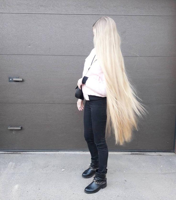 Девушки блондинки с длинными волосами триникси, лижет сперму из киски подруги