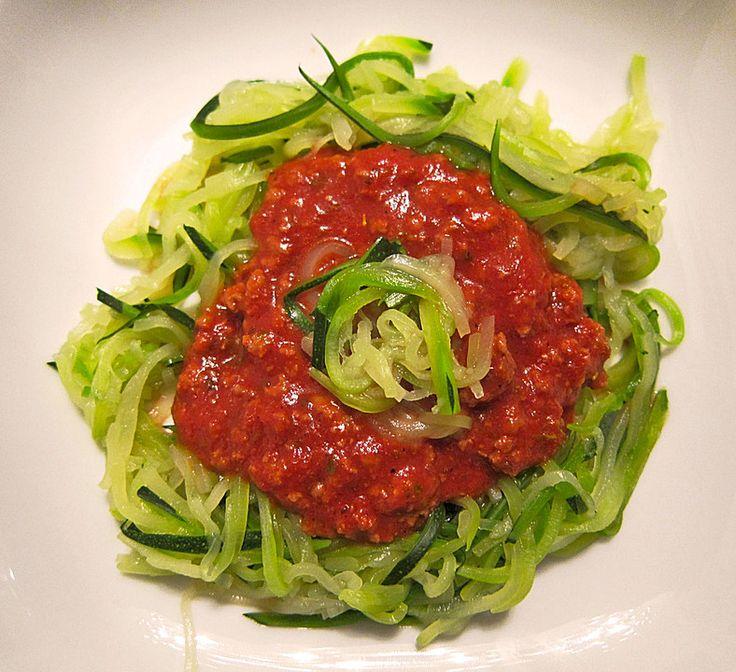 Zucchinispaghetti mit Bolognese