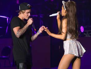 Justin Bieber et Ariana Grande en duo à Inglewood le 8 avril2015