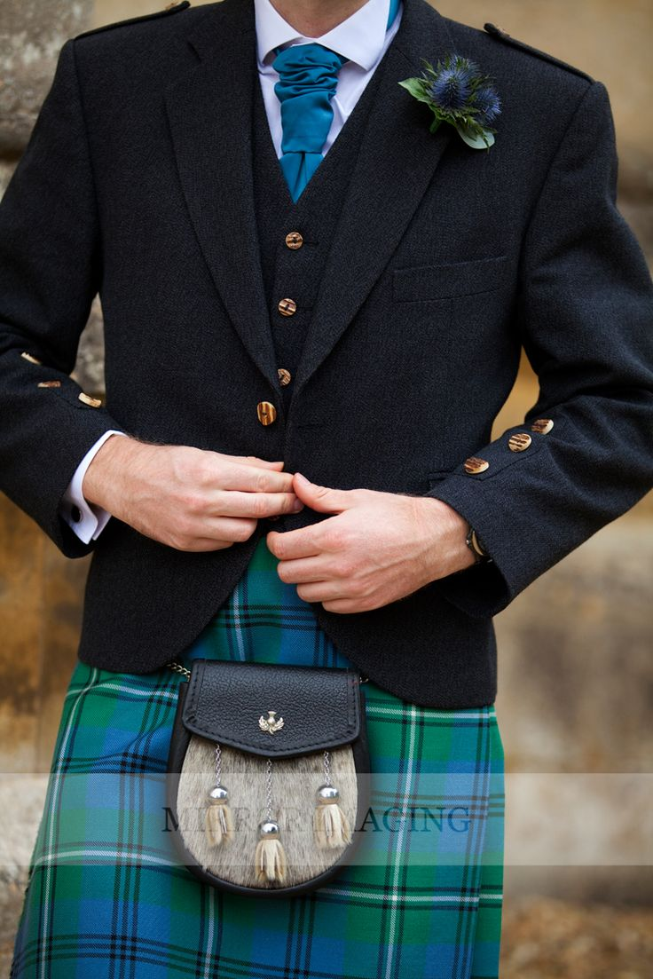Tartan and thistles for a Scottish groom