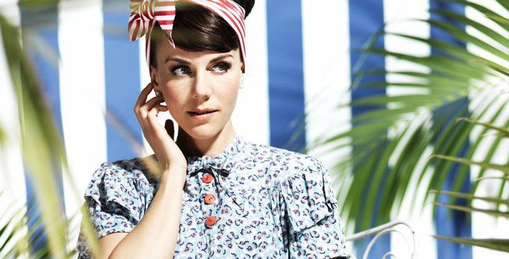 """Anna Depenbusch singt """"Ich & Du"""" - Duett mit Mark Forster - """"Ich&Du"""" aus ihrem Album """"Sommer aus Papier"""" ist Anna Depenbuschs Duett mit Mark Forster. Die Single erscheint am 8. März."""