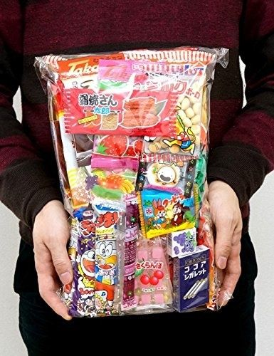 An assorted pack of Japanese snacks that will definitely satisfy your junk food cravings.