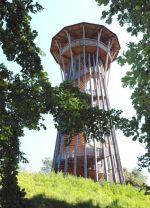 La Tour de Sauvabelin Lausanne en photos, la Tour en hiver, la Tour vue depuis la lisière, gros plan sur la vis d'archimède