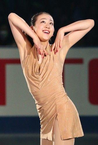 フィギュアスケートグランプリシリーズ第4戦NHK杯エキシビションで演技する浅田=東京・国立代々木競技場で2013年11月10日 (337×500) http://mainichi.jp/feature/news/20131110org00m050004000c.html