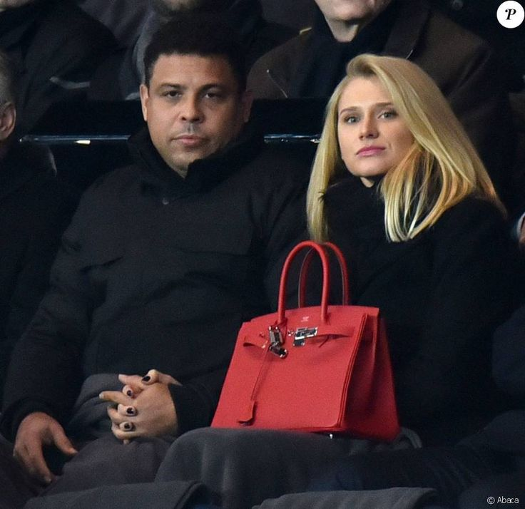 Ronaldo et sa compagne Celina Locks en huitième de finale de la Ligue des champions au Parc des Princes à Paris le 16 février 2016