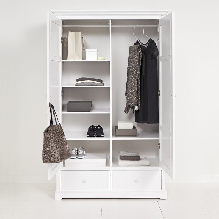 ikea hemnes kleiderschrank wei ma e. Black Bedroom Furniture Sets. Home Design Ideas