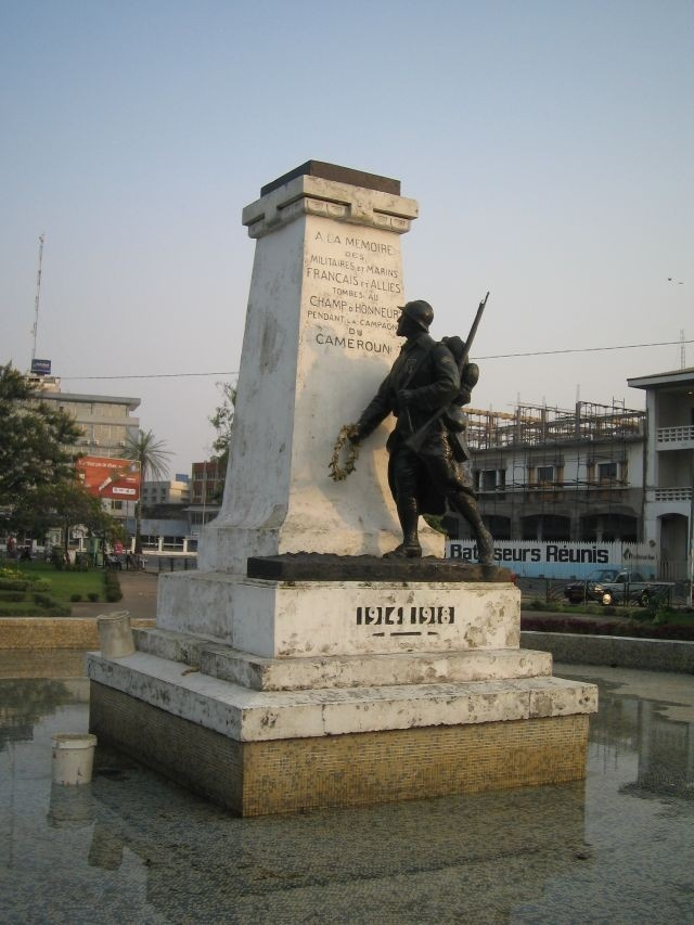 WW1 monument (one of very few monuments in Douala