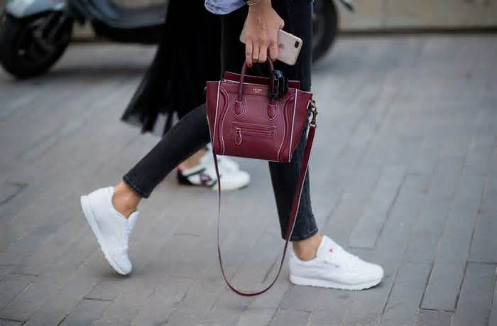 11 best handbag finds at Nordstrom's Fall 2017 sale Whenever we find out about a Nordstrom sale, our bank accounts get smaller and our closets get bigger. Up until November 12th, you can save up to 40 percent on the chicest styles of the season. We know sorting through the endless array of products can be ...