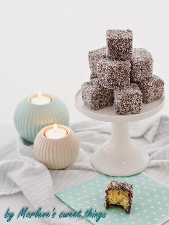 lamingtons zum australiaday special muffins and cupcakes with brand name products rezepte. Black Bedroom Furniture Sets. Home Design Ideas