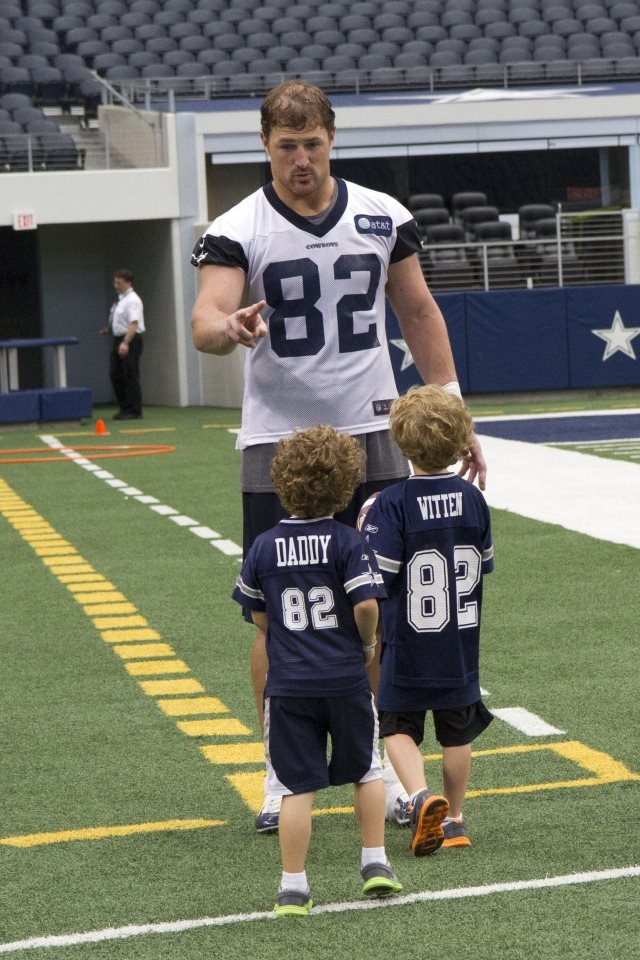 Jason Witten and sons- I've actually gotten a chance to meet him, his wife & sons!!! SUCH SWEET people!!!