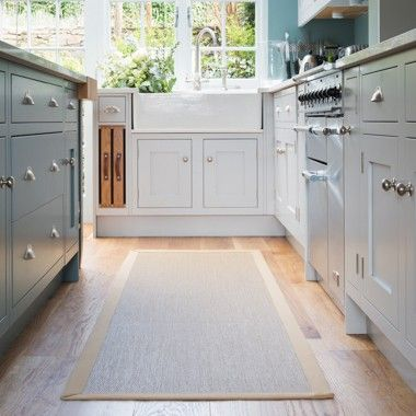 Easy to clean and stylish 'Savannah rug with natural binding' from Unnatural Flooring