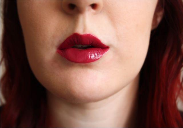 Catrice Ultimate Colour 420 Plum Fiction #makeup #makeupaddict #makeuplook #beauty #beautyblogger #bblog #bblogger #fotd #makeupproducts