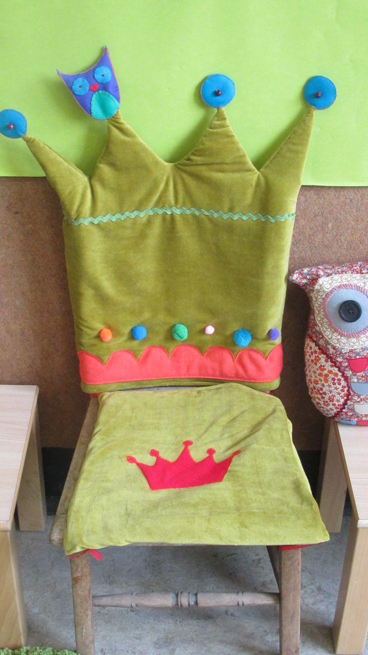 Verjaardagsstoel: leuke hoes om zelf te maken. Echt een leuk idee. In elke gewenste kleur te maken....