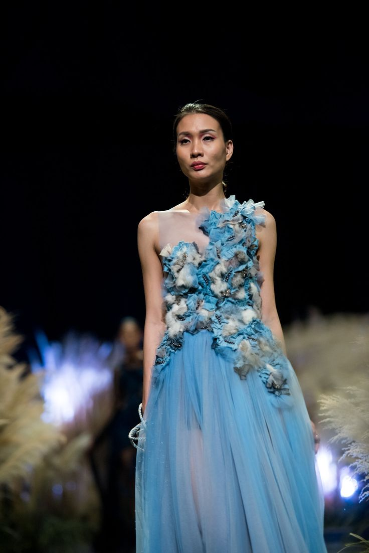 Vietnam Fashion Week FW17 - Ready To Wear.        Designer: Hien Dang  Photo: Le Chi Linh