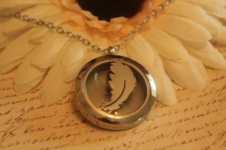 Aromatherapy essential oil pendant stainless steel necklace bird feather