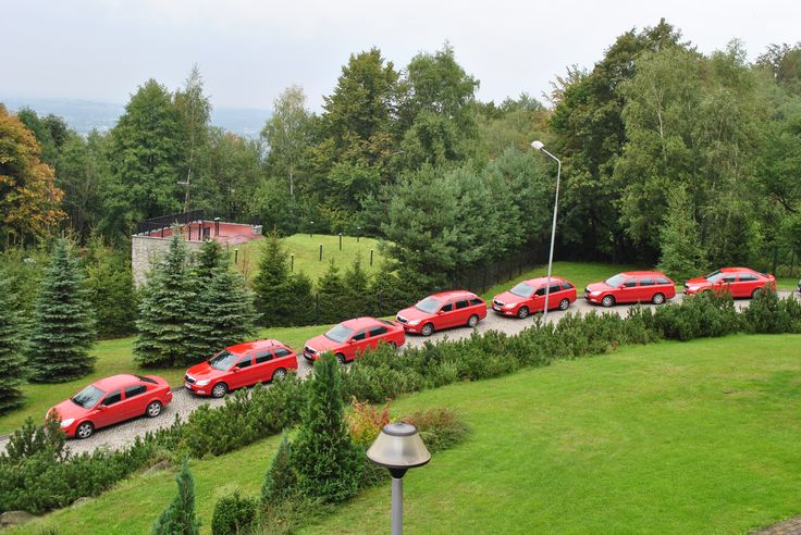 Szef chyba bardzo lubi kolor czerwony. :)  Żartujemy! Nie może być inaczej jeśli mowa o producencie cegieł - firmie Wienerberger. ;)