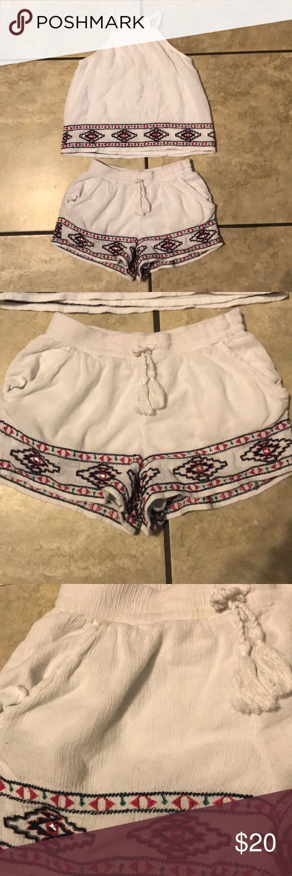Cute Abercrombie kids outfit Super cute outfit, worn once, in good condition, no tears, smoke free home. Size 7/8 abercrombie kids Matching Sets