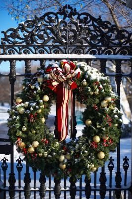 Large wreath ideas...have the wreaths, now just need the ribbon, etc....