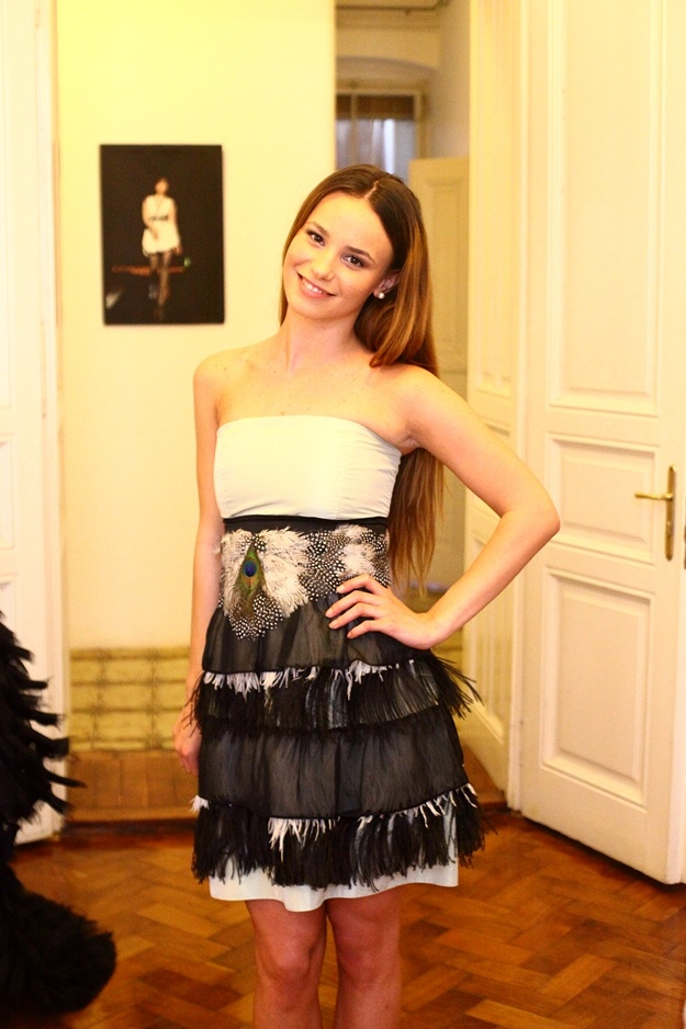 Index Rouge's Prome dress contest